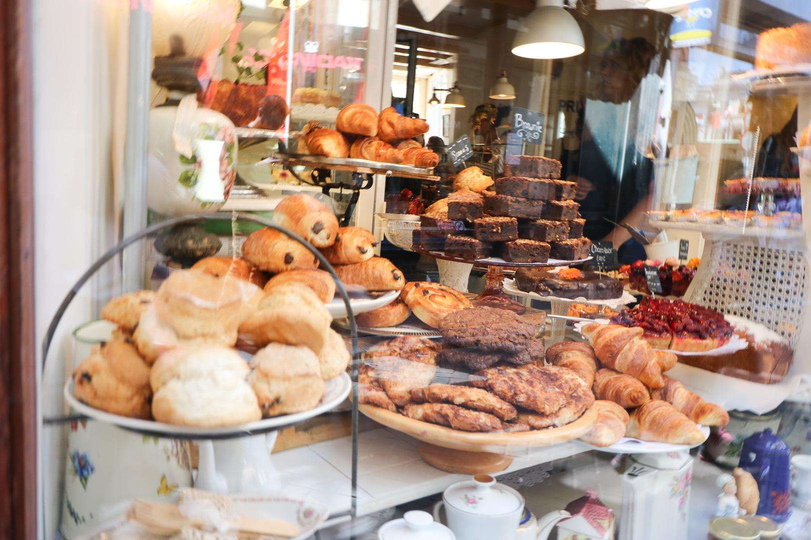 Amsterdam Bakery | Amsterdam City Guide | Cobalt Chronicles | Washington, DC | Travel Blogger