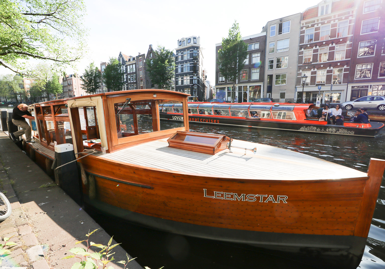 Leemstar Canal Cruise Review Amsterdam | Amsterdam City Guide | Cobalt Chronicles | Washington, DC | Travel Blogger