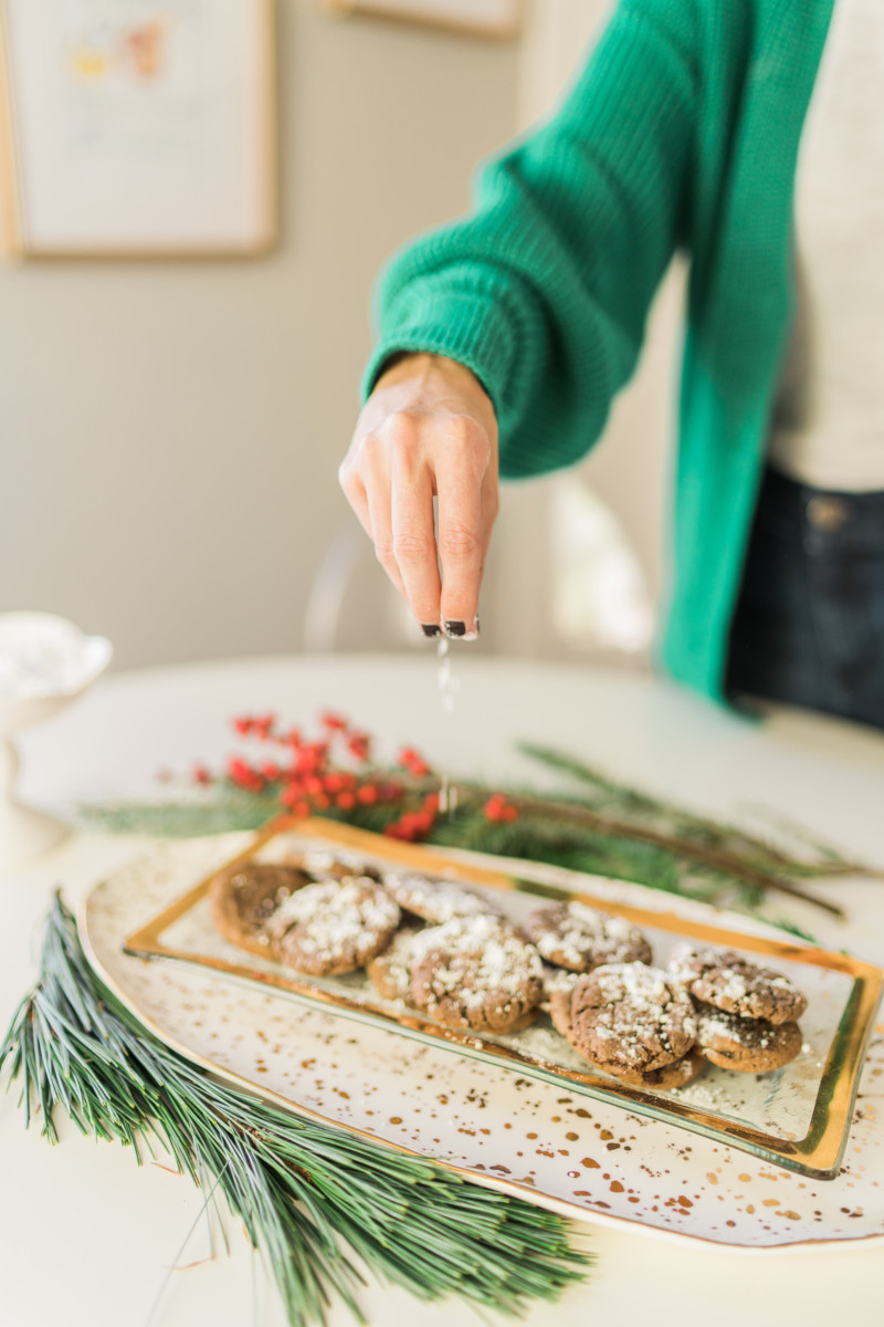 Chocolate Crinkle Cookies + 9 Christmas Cookie Recipes | Cobalt Chronicles | Houston Blogger